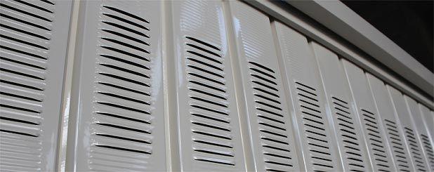 Aerazione porta basculante officine locati dal 1925 for Garage in metallo con planimetrie abitative