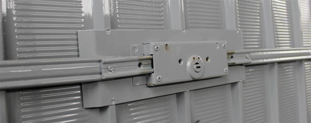 serratura porta basculante